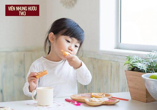 Cho trẻ dùng nhung hươu để chữa bệnh còi xương, suy dinh dưỡng