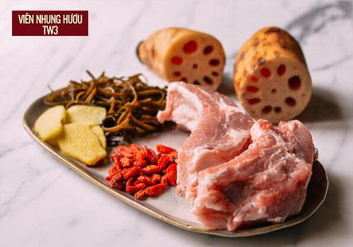 Hạt sen hầm long nhãn món ăn bồi bổ cơ thể tốt cho người cao tuổi