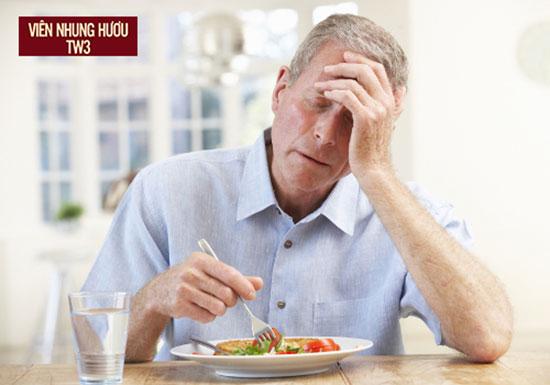 Những vấn đề về tâm lý khiến người lớn tuổi ăn uống kém khi vào bữa