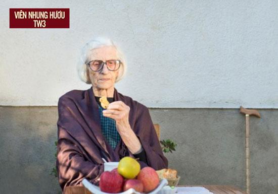 Người già chán ăn khiến cơ thể suy nhược, gầy yếu