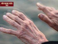 Hoa mắt chân tay run | 9+ giải pháp LOẠI BỎ triệu chứng này