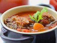 Thịt dê chứa hàm lượng chất đạm cao giúp cung cấp năng lượng cho những người suy nhược rất tốt.